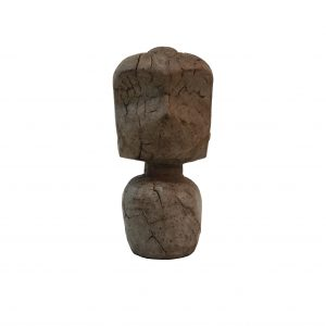 Stenfigur med ansigter i 2 størrelser. Den lillge Stenfiguren i natursten måler 18cm i højden og den store måler 21 cm. Se flere dekorationsgenstande HER