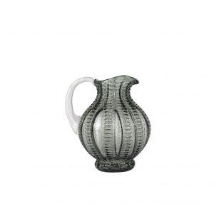 Glaskande fra Specktrum til dit køkken. Kanden er i grå glas med mønster. Indretning på frederikserberg